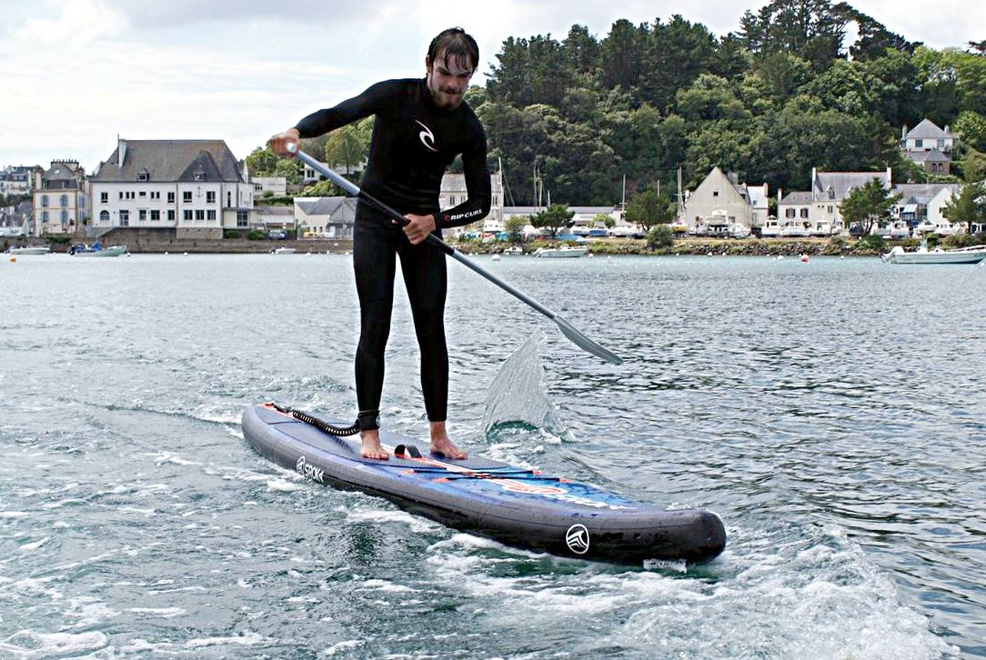 Trip at sea on a stand-up paddleboard